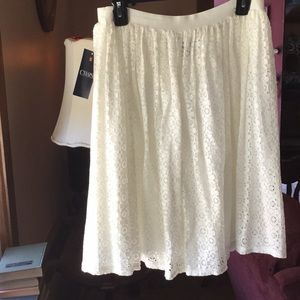 Chaps Lacey off white skirt. Medium